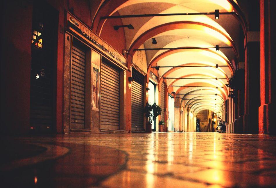 Non so cosa troverò oltre il mio sguardo, per questo ora vivo il presente.. Piacenza Piacenza, Italy Piazza Duomo Città D'arte💋