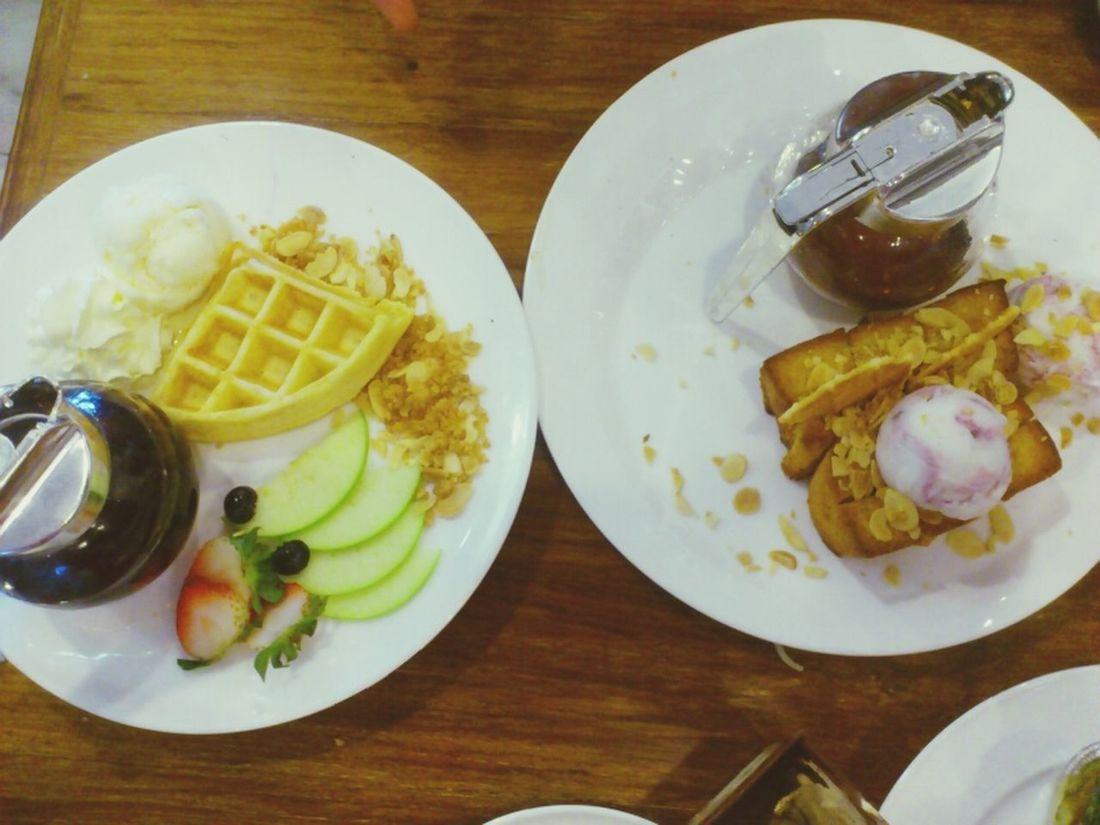 2 sweet :) Waffle Honey Toast Sweets Nom Nom Nom