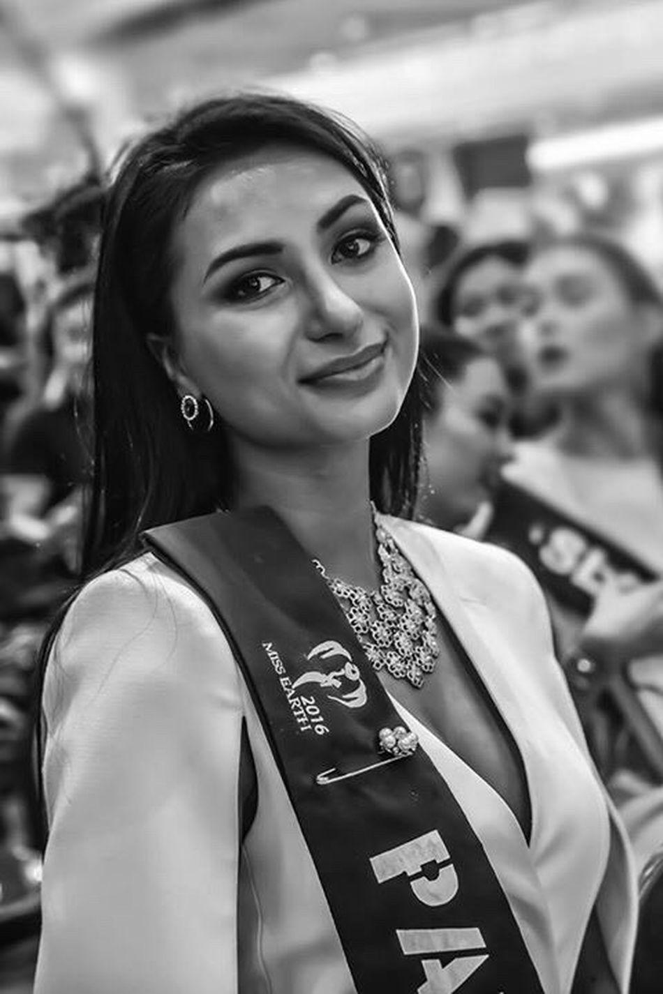 During the press presentation of the Miss Earth 2016 candidates at the SM City, Quezon City, Philippines. Miss Earth Pakistan. Portrait Beauty Beautyqueen Missearth Missearth2016 MissPakistan MissEarthPakistan2016 Philippines Pilipinas Beautycontest Quezoncity Blackandwhite Photography Pakistan Elegant