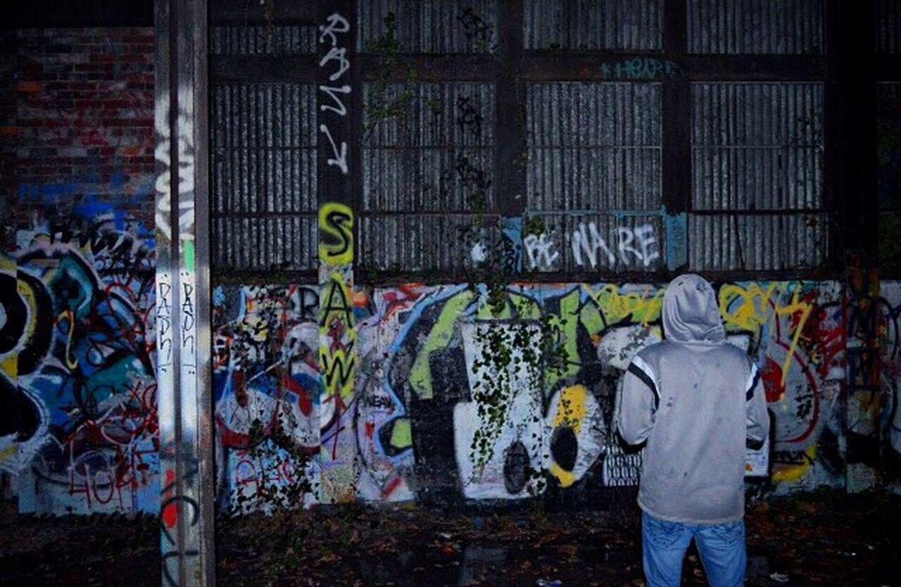 Graffiti Abandoned Warehouse Streetphotography Portrait Exploring