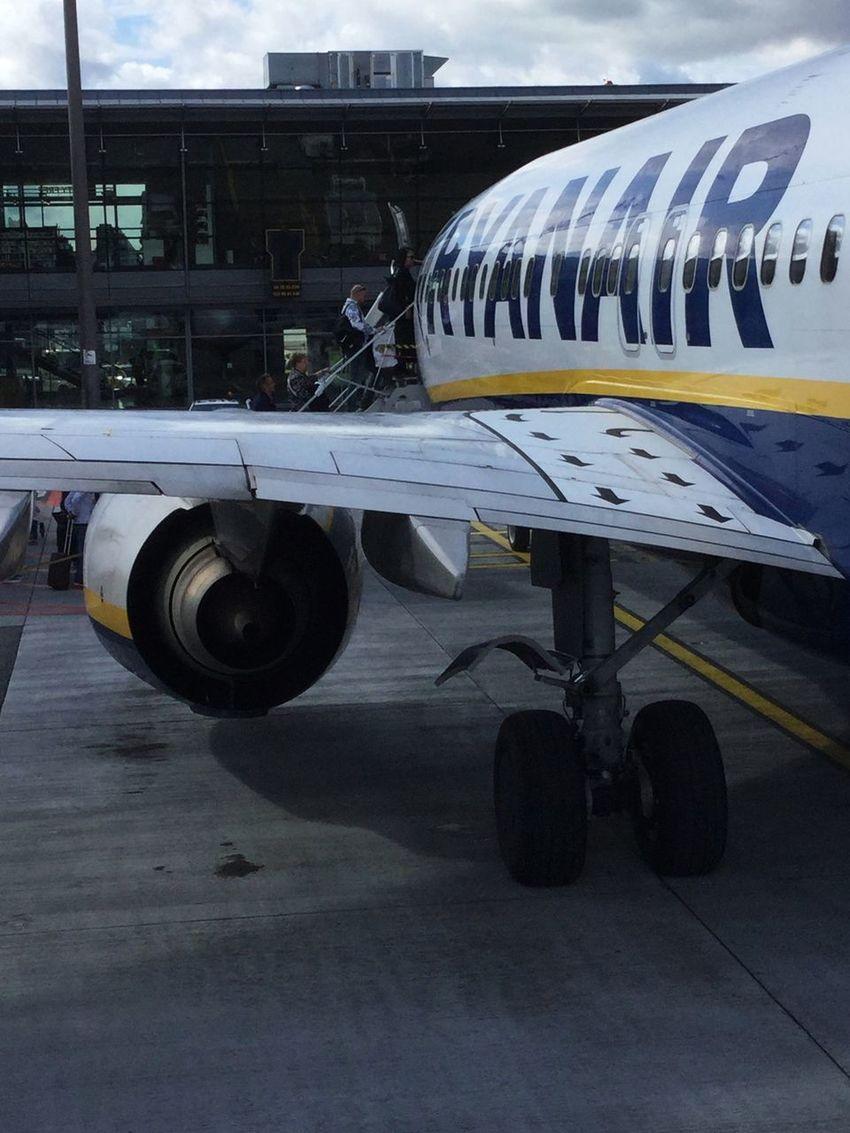 Ryanair Traveling Airport Boarding Riga Airport Airplane