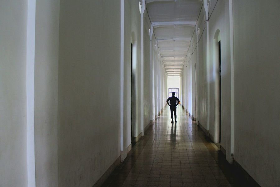 Ingatlah kalo Tuhan selalu ada bersama kita Lawang Sewu Lawang Sewu Heritage Building Lawang Sewu Semarang Lawang Sewu,semarang-indonesia Architecture Architectural Detail Architecturelovers Architecture_bw Architecturephotography Archaeology Architectural Design Education Story Photography History Museum  Historical Monuments Historical Place Full Length Indoors  Walking One Man Only One Person Adult Corridor Adults Only Architecture Only Men Men People Young Adult Day EyeEm Ready   EyeEmNewHere