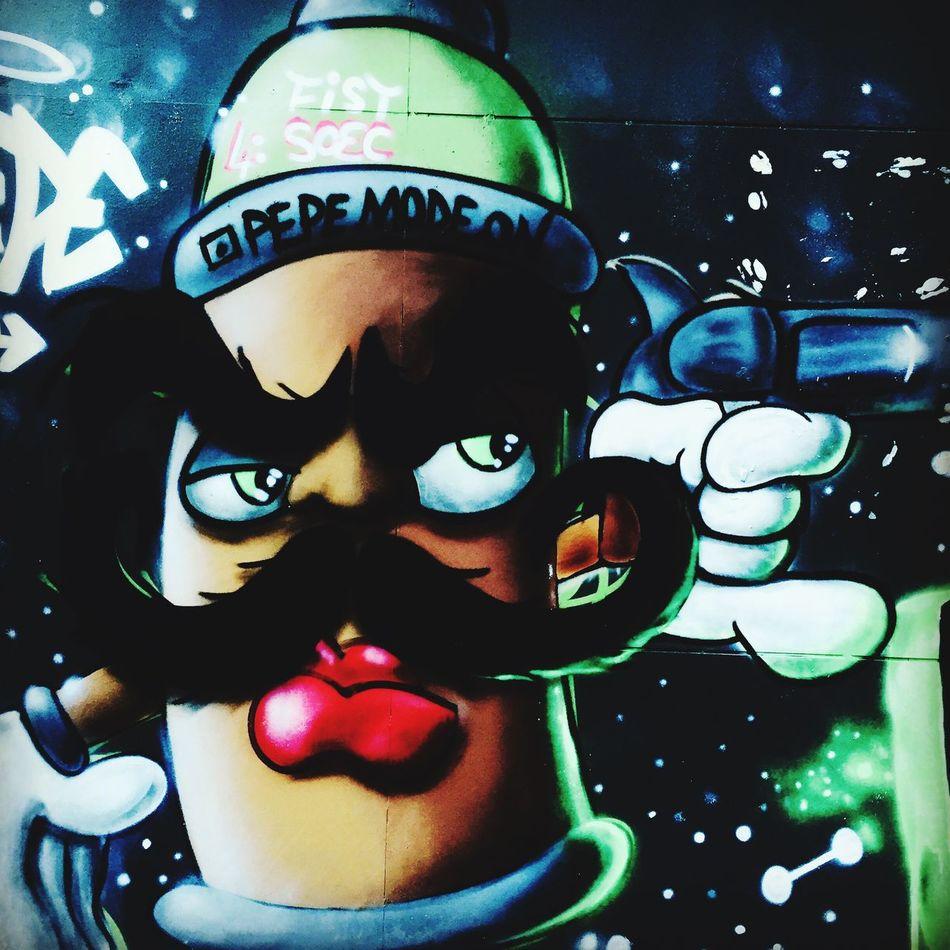 Grafitti Istiklal Caddesi Istanbul Turkey  Sanat Sanatçı Sokaktahayatvar Pepemodeon