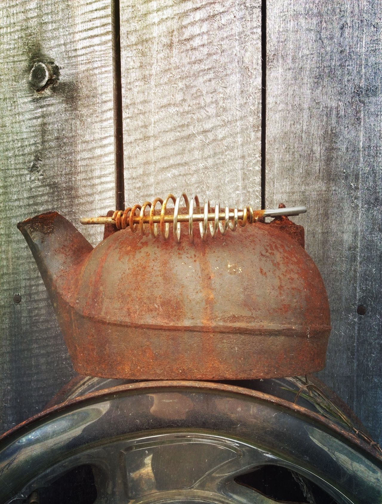 Always something randomly beautiful to be found rusting away in the countryside! Rural Scenes Rurex In Rust, We Trust