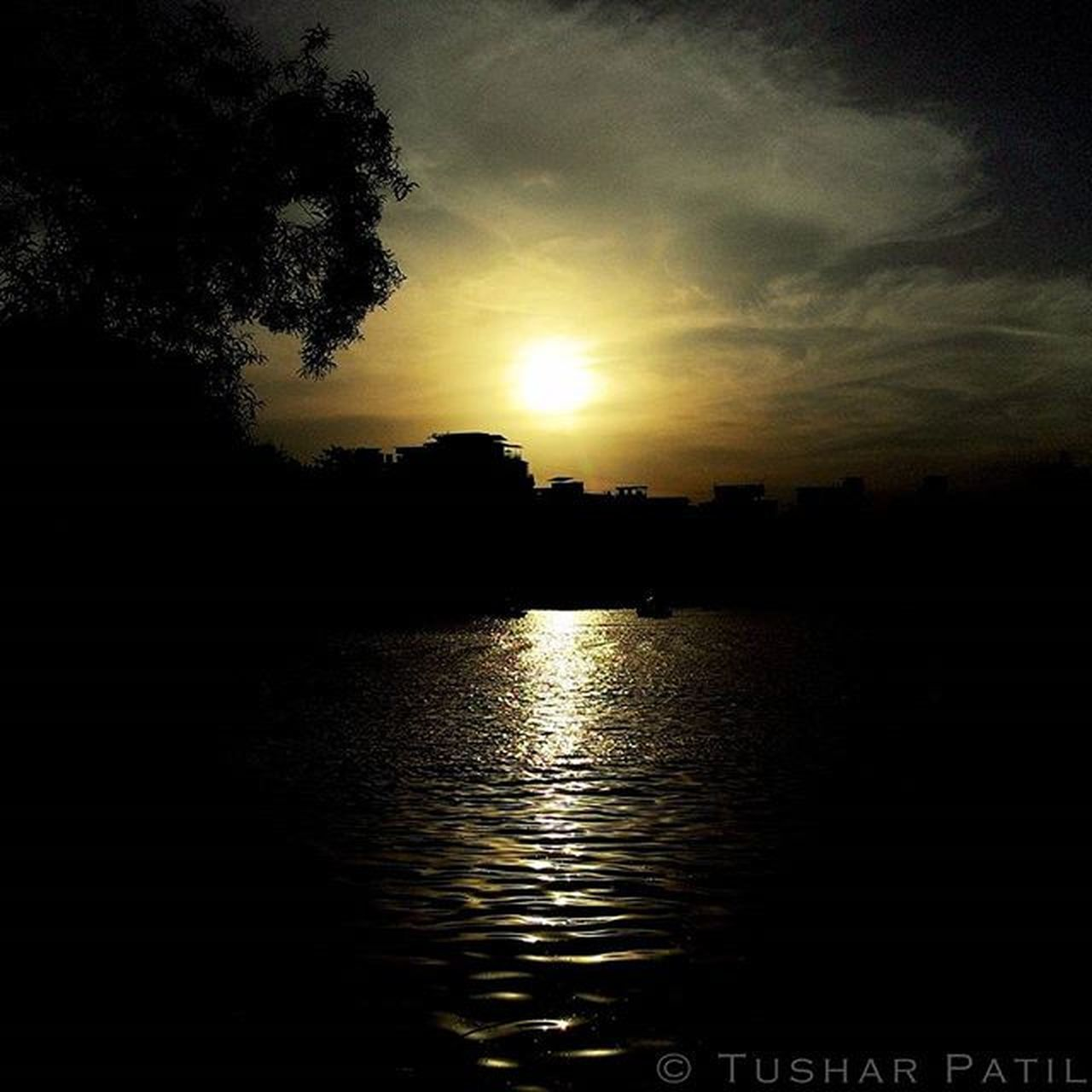 The enchanting and soothing sunset at the Talao pali lake, Thane. Talaopali Lake Thane Sunset Lakeview Awesome_shots Beautiful Scenery Shot Igers Indianstories IGDaily Ig_maharashtra Ig_worldclub Ig_india _soi Repostingindia Indian_photographers India_gram Instagram Instagood Instadaily Asus Zenfone Asusglobal seewhatotherscantsee