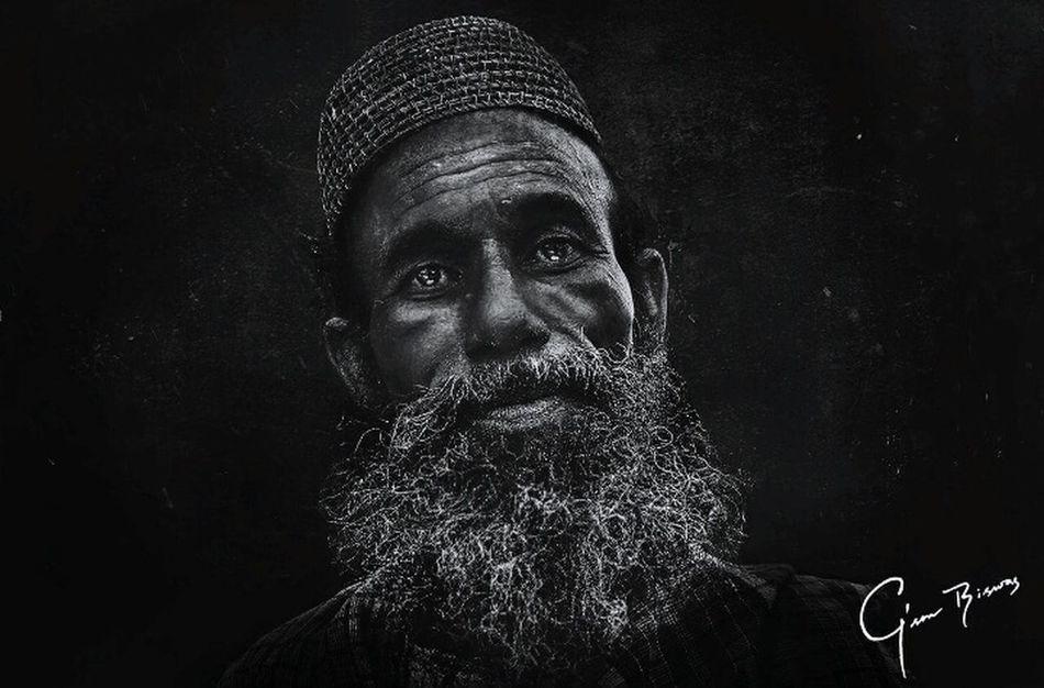 Portrait Homeless Streetphoto_bw Streetphotography Gson_biswas Photooftheday Man Canon_bangladesh Black Grunge Lee_jeffries