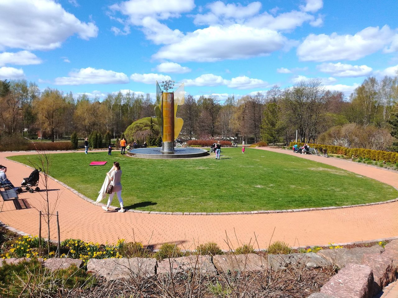 Grass Park - Man Made Space Outdoors People Photography Sunny Day Public Park Greenery Art Modern Statue Nature Finland Clouds And Sky Blue Sky White Clouds Park Life Weekend Activities Enjoying Summer Fountain Modern Art Neighborhood Map