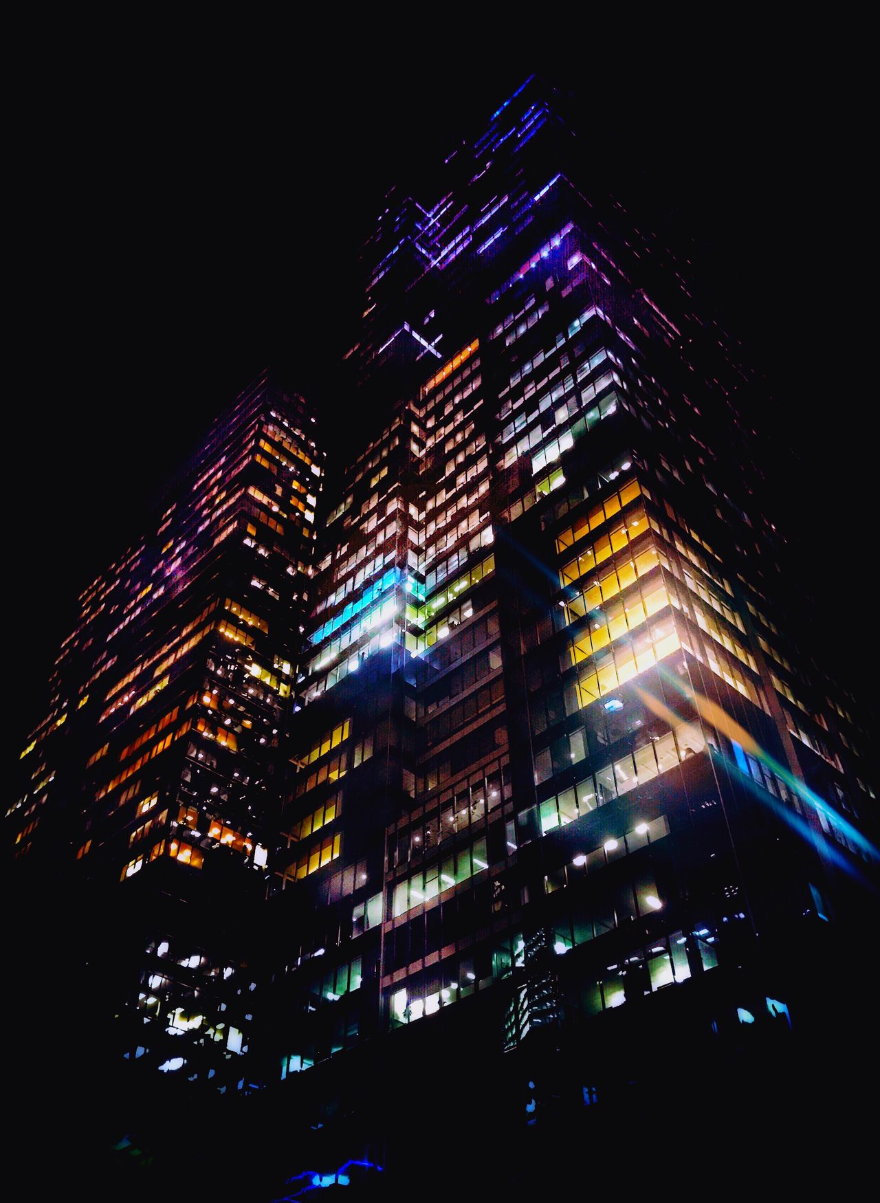 Layers And Colors Illuminated Skyscraper 🌃 Night Sky Colorsplash Architecture Low Angle View Mextures Fun Chicago Chicago Architecture Chicago Skyline Visit Travel Love My City City EyeEm Night Lights Eyemgallery EyeEmBestPics Pic Picture Pictureoftheday iPhone