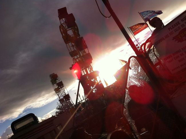 Amusement Parks Amusement Ride Amusement Rides Back Lit Bright Cloud - Sky Day Dult Fairground Ferris Wheel Ferriswheel Growth Jahrmarkt Lens Flare Outdoors Riesenrad Scenics Sky Sun Sunbeam Sunlight Tall - High