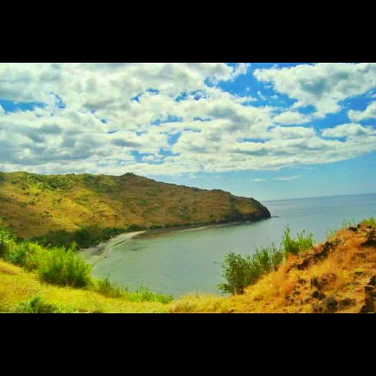 One of the hidden gems of Zambales 'No-trail' hiking could never be this fun. Anawangin Zambales Summer Beach philippines travel itsmorefuninthephilippines camping cove nature southcliff zambalestrip filipino anawangincove naturelovers travelph wanderlust instatravel bestshots_ph goodlife lonelyplanet lovephilippines travelogue12 globejetsetter naturetrip instadaily beachlife iloveph islandhopping wishiwasthere