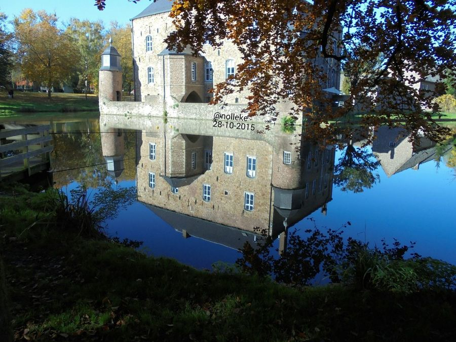 Kasteel Erenstein-Kerkrade Mygolden October Waterreflections  Noedit Beautiful Lovelynatureshots DitisLimburg L1 Super_holland Loves_Limburg