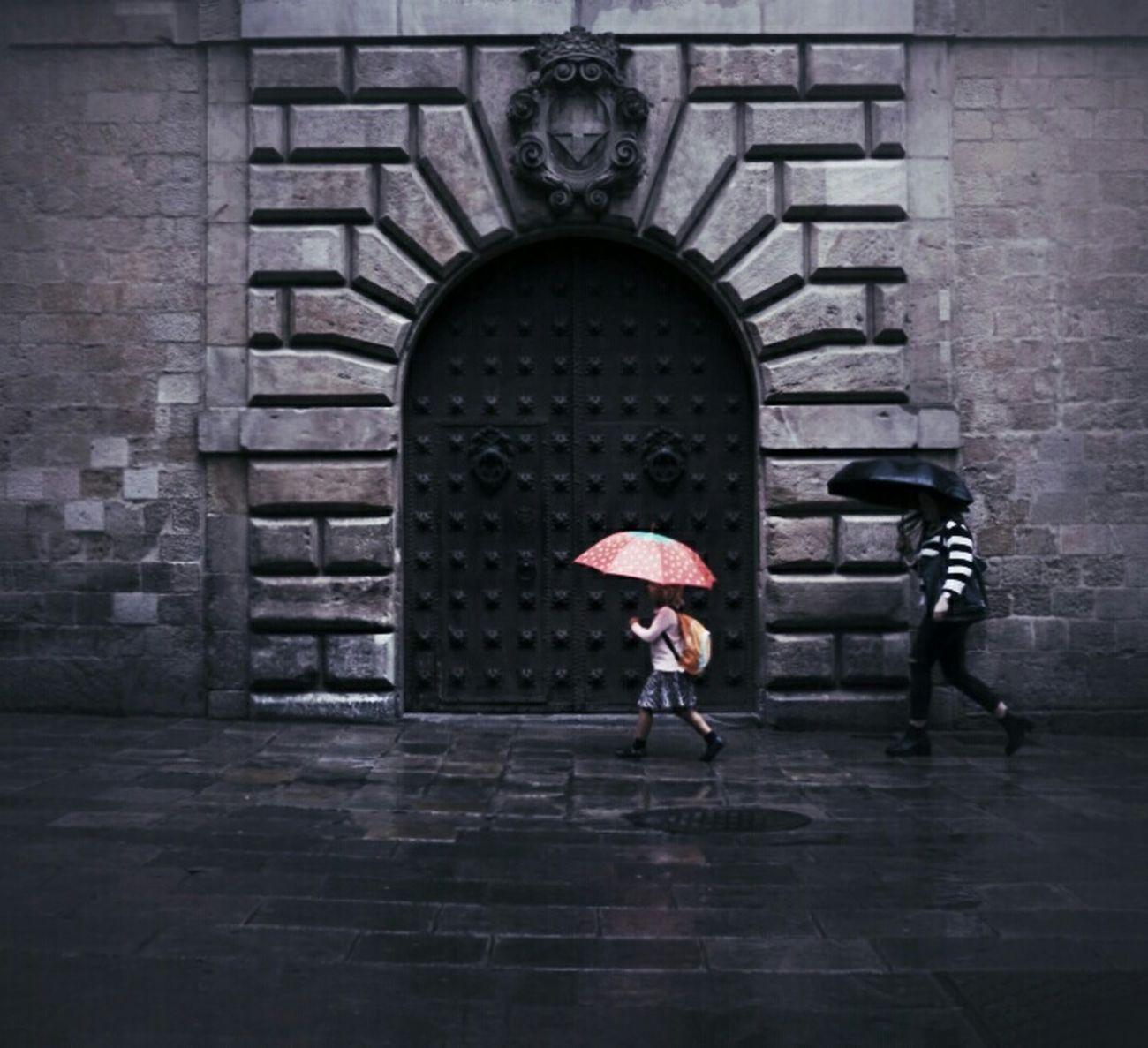 A beautiful mind.... Mi Serie Barcelona Rainbow Raining Day Streetphotography