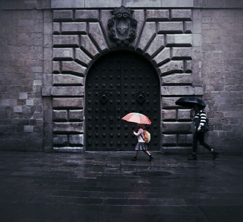 A beautiful mind.... Mi Serie Barcelona Rainbow Raining Day Streetphotography