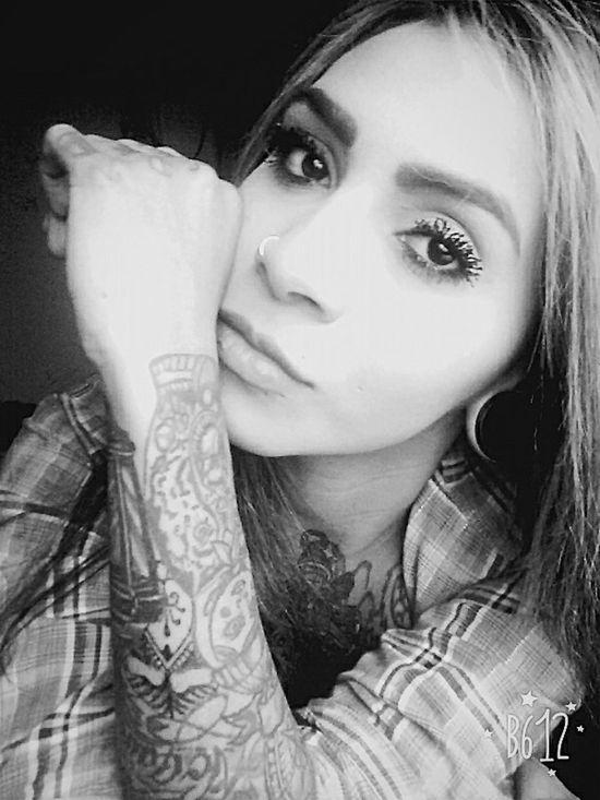 Tattoobogota Beautiful Girl World Fotografia Tattoobeautifull Hello World Tattoo Artist Bogotá Tattoogirl