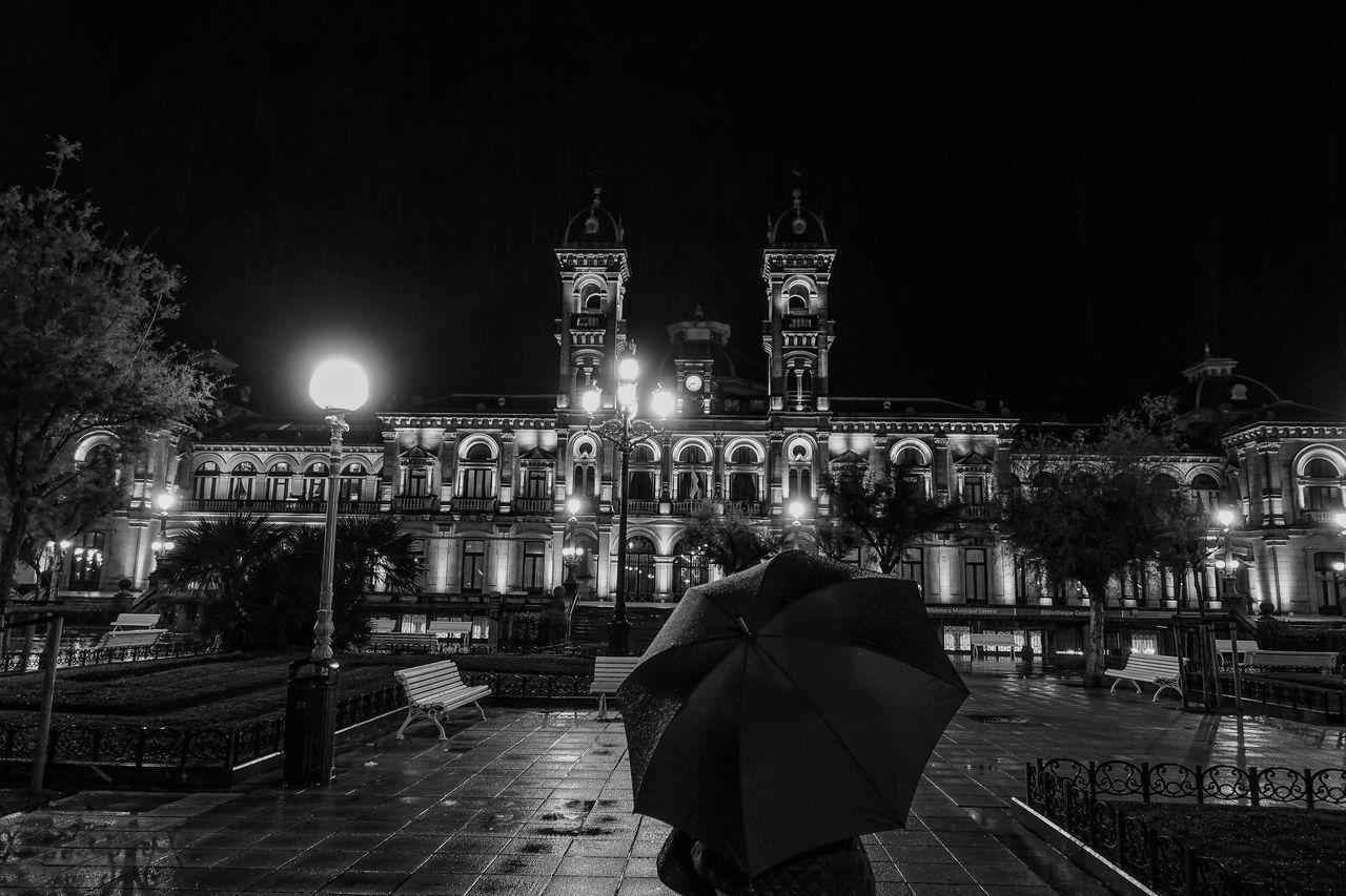 First attempt at B&w Architecture Night City Eye4photography  EyeEm Best Shots SPAIN Sonyrx100iv Traveling Rainy Days Blackandwhite Eyeemspain