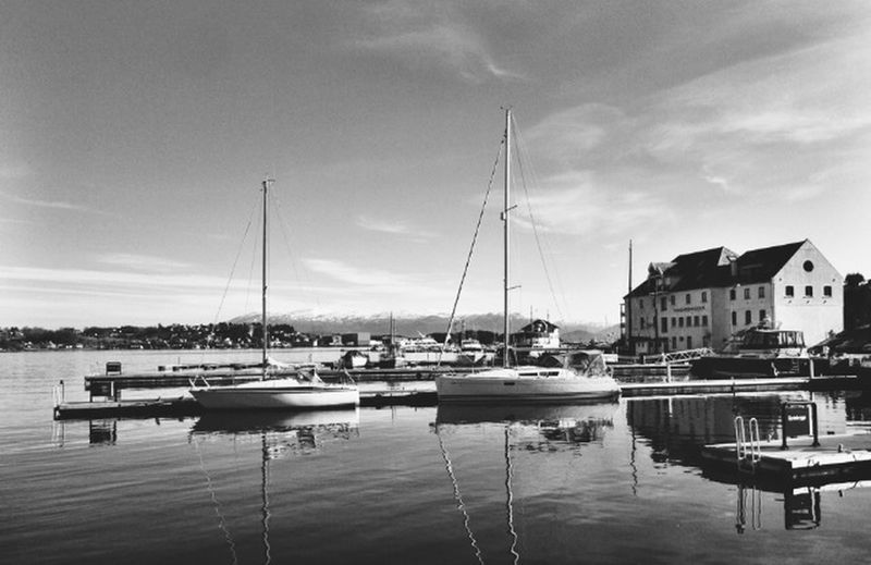 Norway Landscape_Collection Harbour Blackandwhite