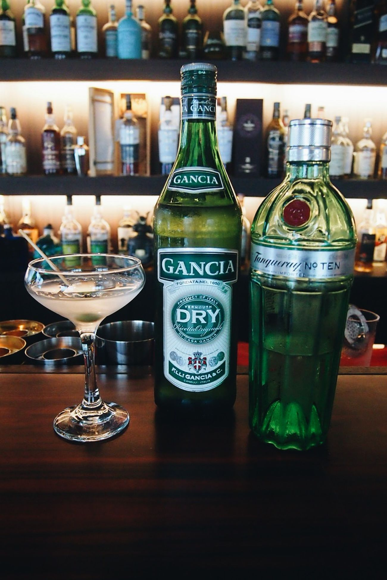 Dry Martini with Tanqueray 10 gin + Gancia vermouth Drinks GIN Korea Cocktail Cafe Louis Drymartini Tanqueray Gancia