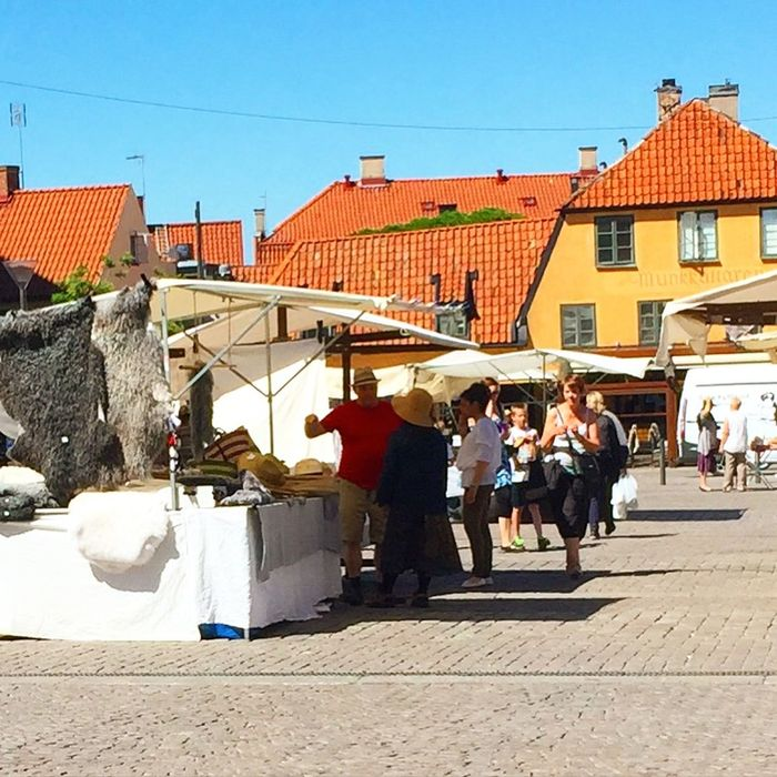 It is a good day to sell a Hat to someone in Almedalen