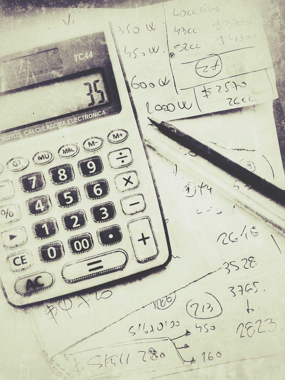 Calculadora Cuentas A Pagar Resumen No People Indoors  Close-up Paper Day Work Trabajar Calculator Lapiz Account Towork Digital