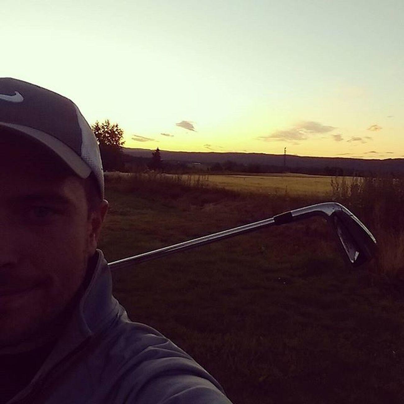 Late evening practice Golfer Golfing Golf Golfie Titleistgolf Titleist Ap2irons Prov1x Nikegolf Nike JustDoIt UnderArmour Underarmourgolf Latepractice Swing Swingpractice Golfpractice Training Evening Sky Nightsky Norway