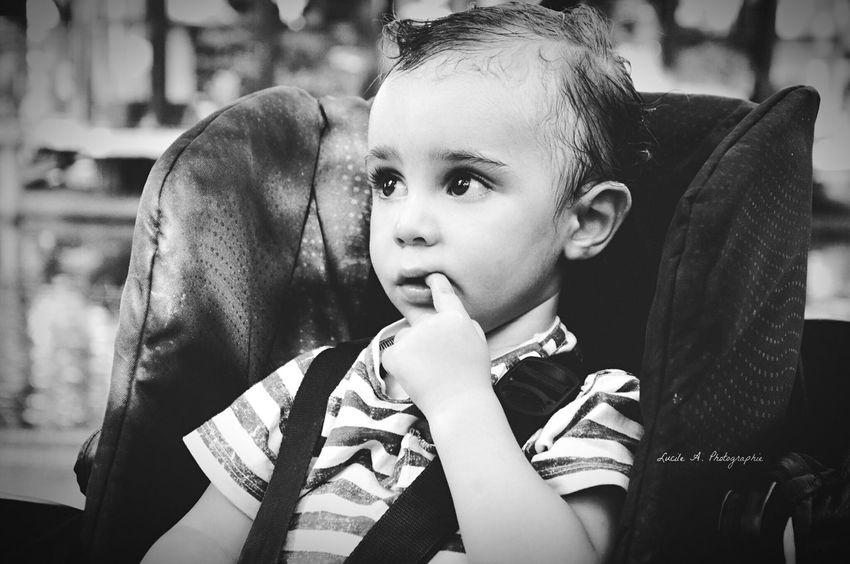 Petit garçon. Garçon Enfant Bebe Poussette Noir Et Blanc Lucileaphotographie