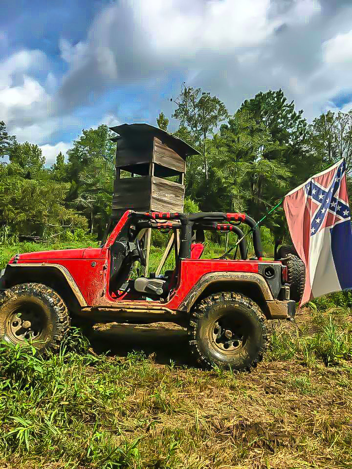 Cloud - Sky Old-fashioned Agriculture Sky No People Day Mississippi  Flag Flag Of Mississippi Mississippi Summer State Flag State Flags Confederate Confederate Flag Bars And Stars Pride Jeep Jeep Wrangler  Red Jeep Jeeps Jeeplove Outdoor Photography Trail Riding Mudding  Mud Riding