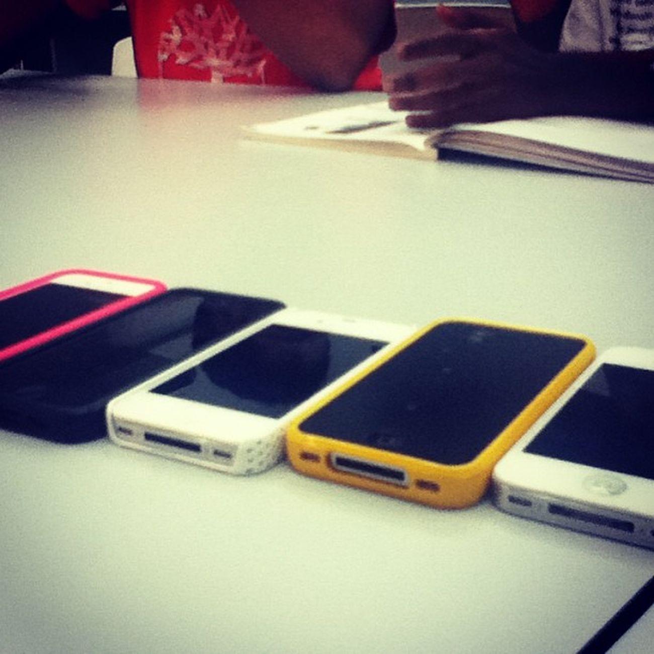 The Apple family @sundradevan @jlicekoh @shaunneeyyy @azrielaziz