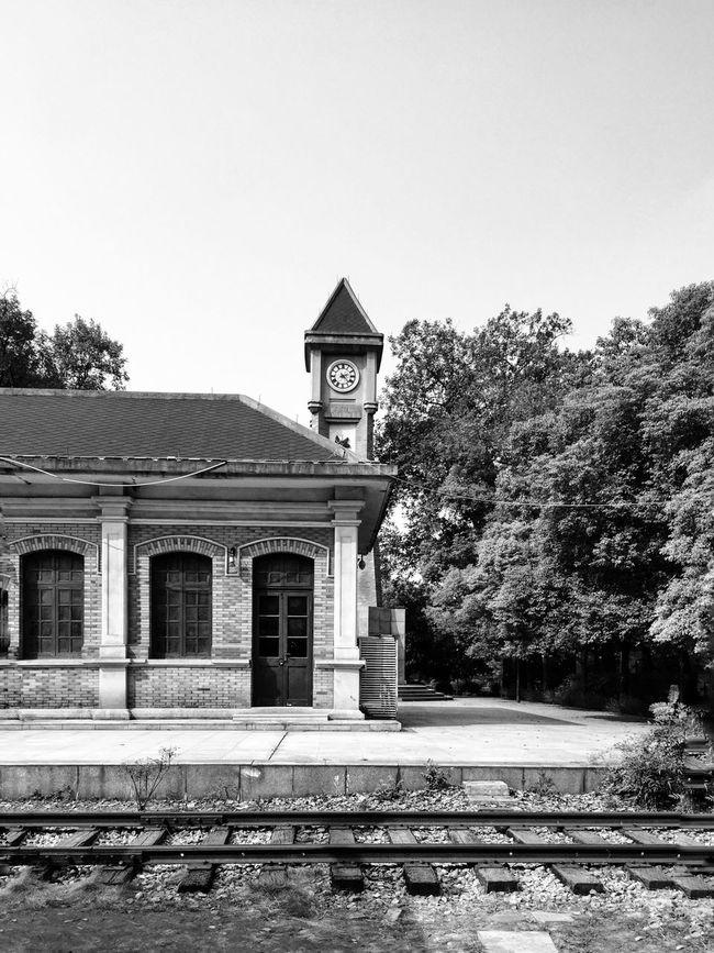 Monochrome Architecture Built Structure Historical Building Train Station Station Train Tracks Black & White Blackandwhite Black And White