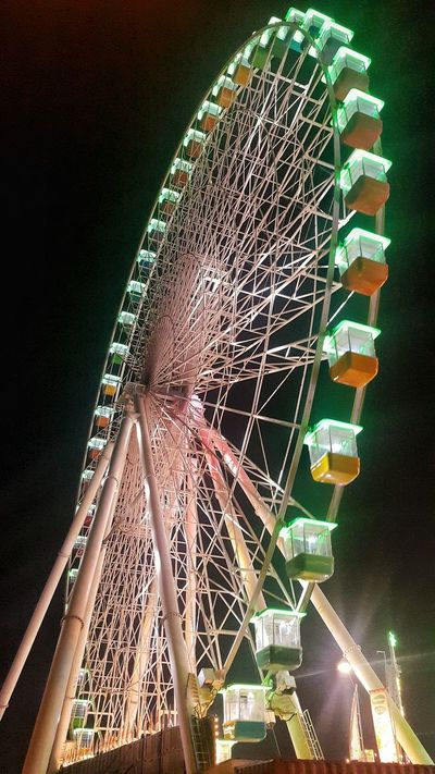 This ferris wheel that they call LIFE. Ferris Wheel Night Outdoors Pictureoftheday MyDubai ❤ Photooftheday Cityscape Photoshoot Dxblife Dxbwonders Photography Themes Global Village