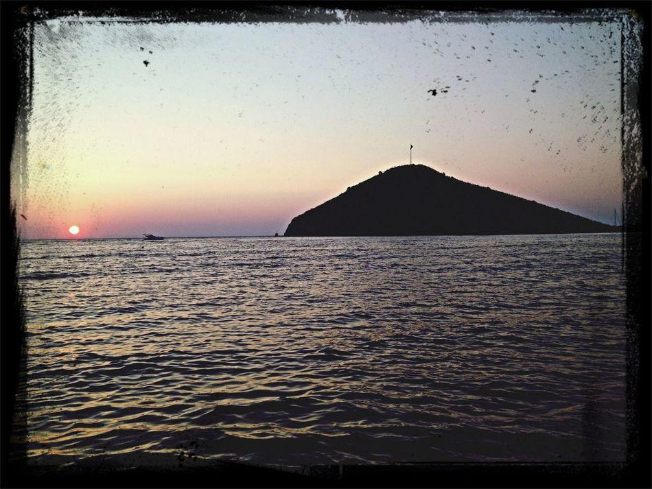 Güneş batarken ardından tepelerin... First Eyeem Photo