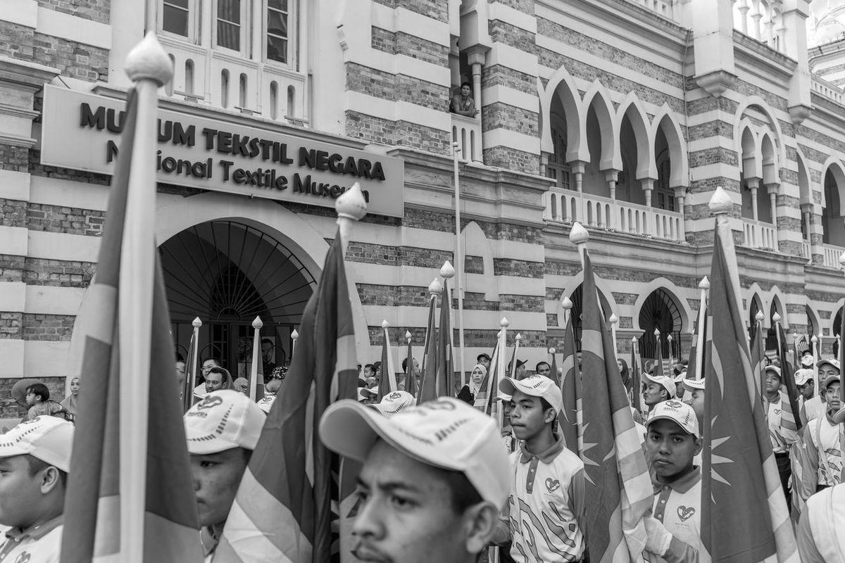 Malaysia 59th Independence Day Kuala Lumpur August 31, 2016 59th Independence Day Black And White FUJIFILM X100S Independence Day Kuala Lumpur Mahfuz Jaffar Malaysia Merdeka Merdeka Square People Street Life Street Photography Streetphotography