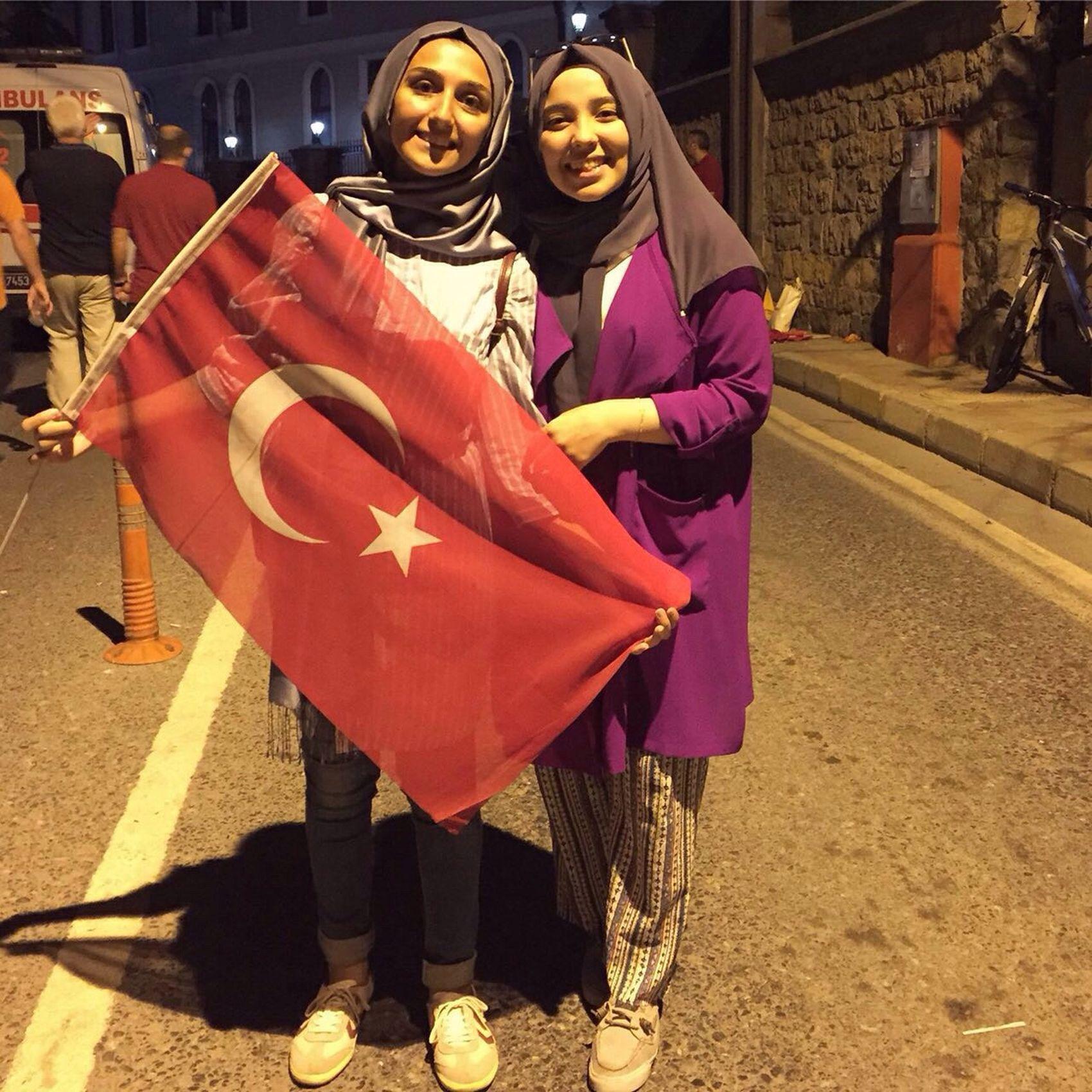 🇹🇷👭🇹🇷 Nöbeti Türkiye Turkey Nöbetedevam Darbeyehayır Kısıklı