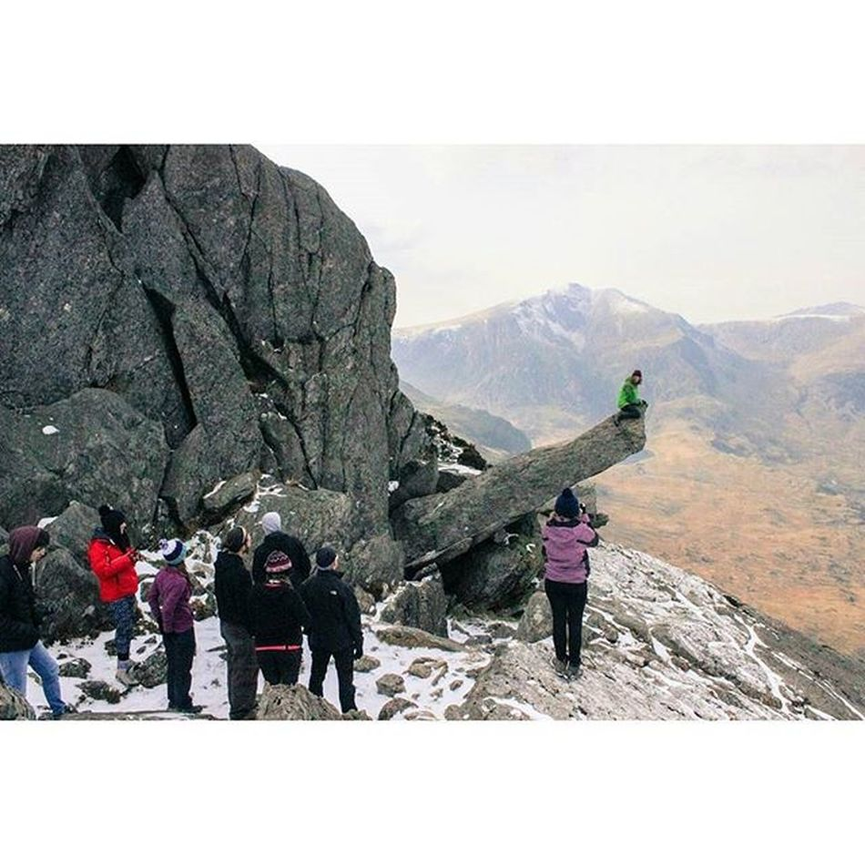 Climbed Tryfan with some new people and it was a great experience Tryfan Mountain Scrambling Climbing Cold Wales Actuallyclimbedamountain Thelionkingwasfilmedhere