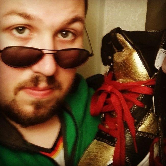 Ich nenne diese Schuhe die ich von Topstreetwear am Out4famefestival gekauft habe mal meine Wm2014 Glücksbringer: Warum wohl?!? (ist mir beim Kauf nich aufgefallen ;) )