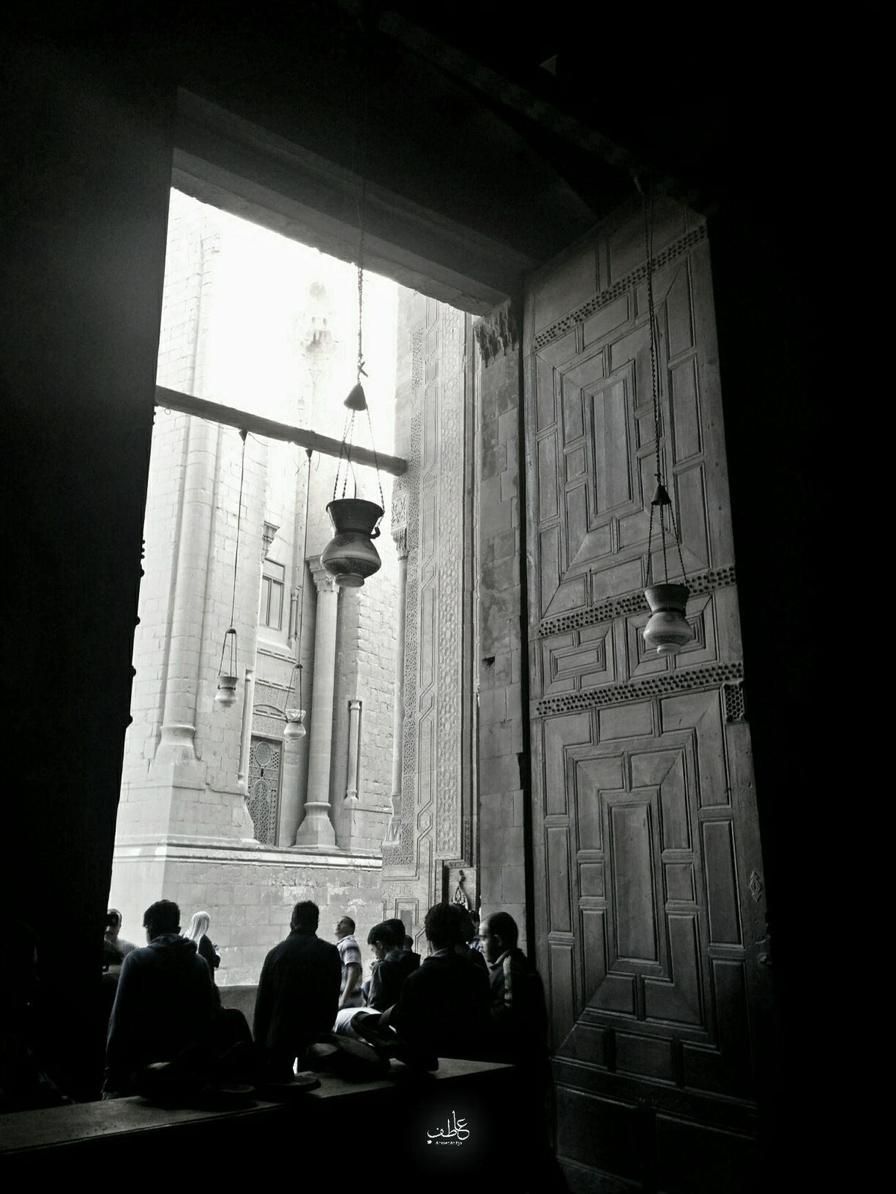 The inside out , the inside of sultan hassan mosque and the outside of rafaie mosque what a scence , Thisisegypt Photographer Cinematography Historical Building Islamic Architecture Architecture Scluptures Egypt Cairo Cairo Egypt Mumluk Oldcairo Photography History Tourists Tourism Egypt Tour Tourist Historical Monuments Architecture_bw Black & White Black&white