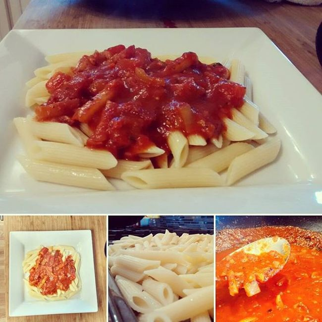 ~home style garlic penne pasta made with roasted pepper, onions ,tomatoes,carrots, potatoes, garlic and spice's~ Penne Pasta Filling Food Italian Sauce Spicy Garlic Fanfood Calinary Plate Homemade Cooking Training Jamieoliver