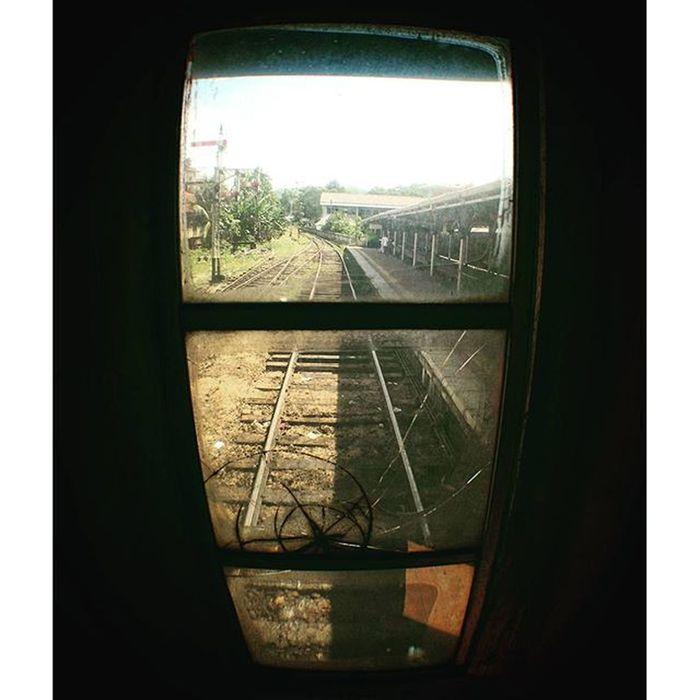 目. SriLanka Kandy Railway Railwaystation