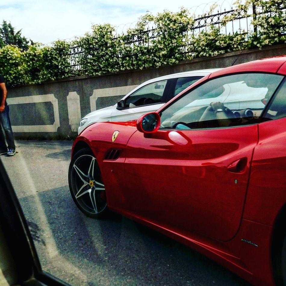Ferrari Cherryred Istanbul