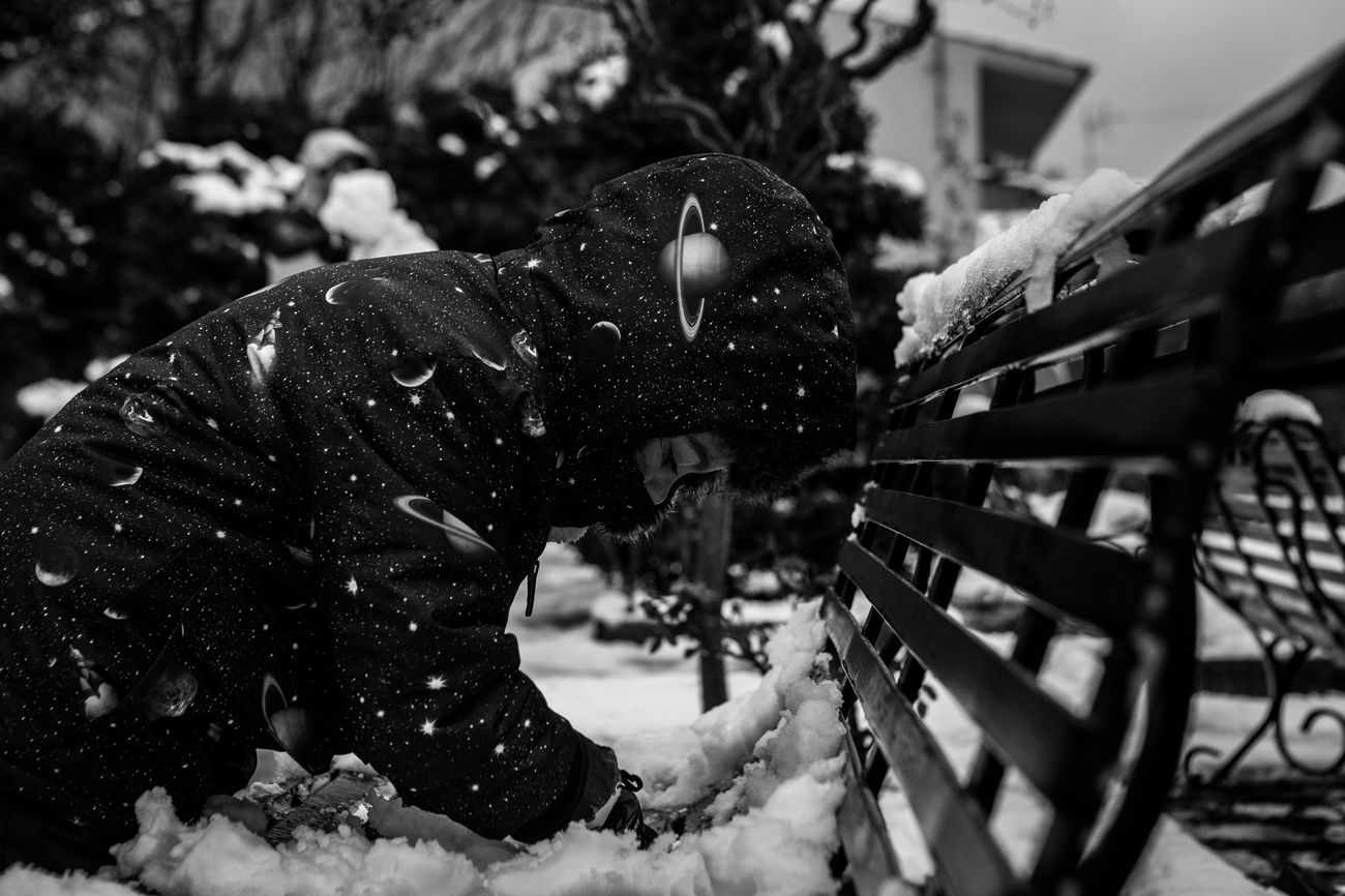 Space man Outdoors Day Close-up One Person Bw_collection Black & White Black And White Blackandwhite EyeEm Best Shots EyeEmBestPics EyeEm Canon Getting Inspired Eye4photography  EyeEm Gallery Snow Kids Kidsphotography Kids Playing Kids Being Kids Winter