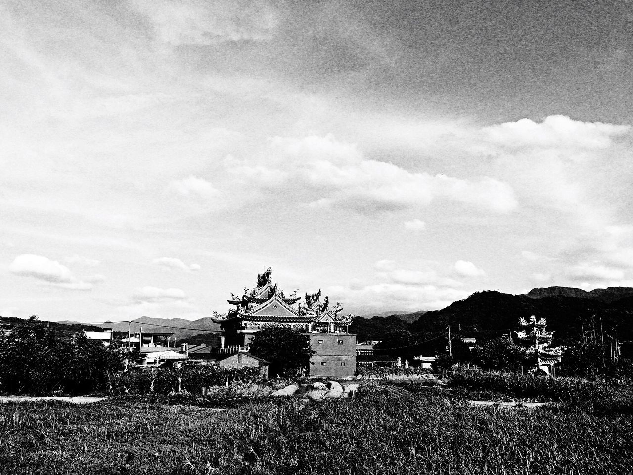 Temple 。 EyeEm Gallery EyeEm Best Shots - Black + White 2016 EyeEm Awards Everything In Its Place How Do We Build The World? TOWNSCAPE EyeEmBestPics Temple Taking Photos The Tourist Clouds And Sky Tree Sanxia