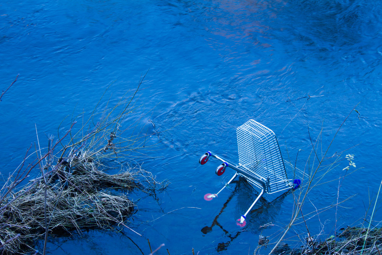 Abandoned Blue Derelict River Shopping Cart Shopping Trolley Trolley Urban Water BYOPaper!