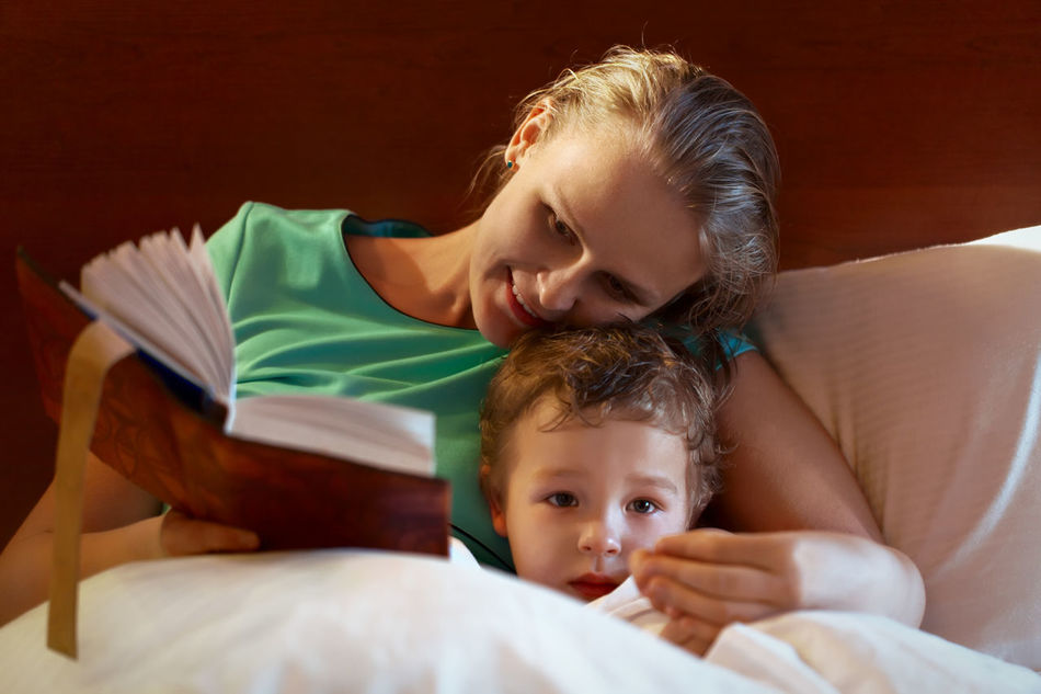 Beautiful stock photos of bücher, love, males, togetherness, family with one child