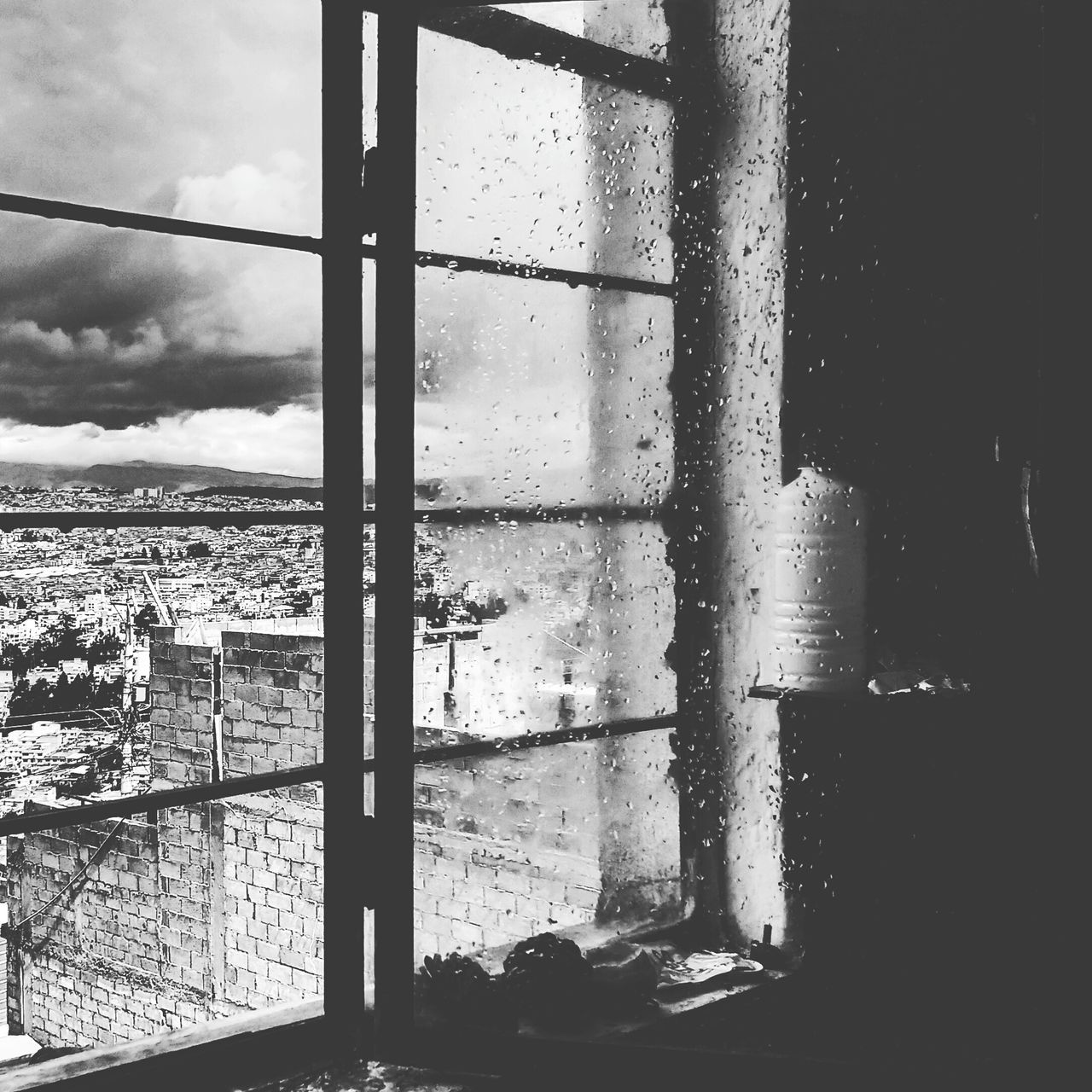 After the storm Quito Ecuador Amalavida Raindrops Rainy Day Rain Storm Window Windowpane Black And White Black & White Black And White Photography Hello World Aftertherain Afterthestorm  Cloudy Clouds And Sky Sky View View From The Window Homeawayfromhome Storm Cloud Mirador Emotive Outlook