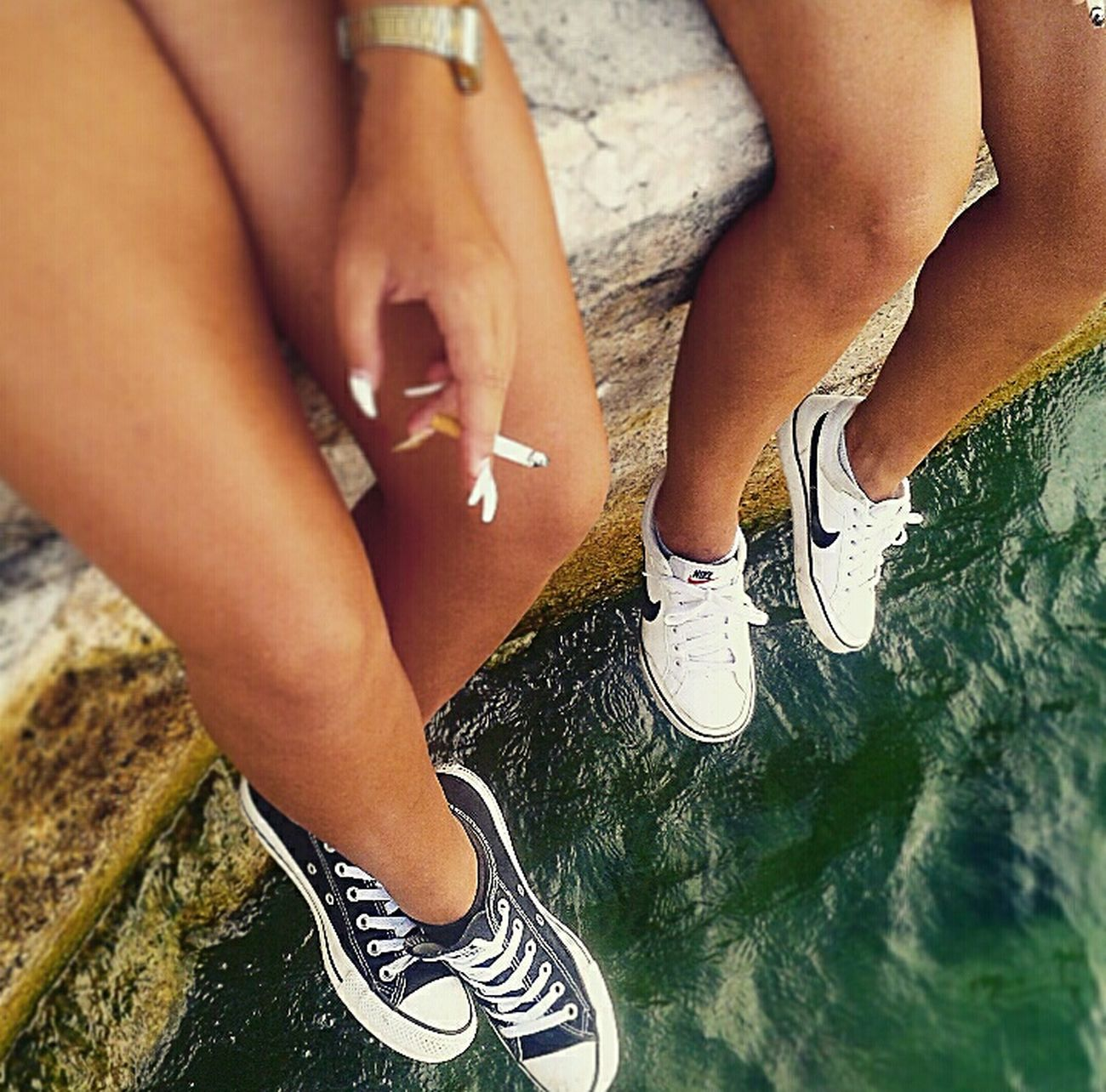 Italy Italia Gardasee Holiday Hello World Smoke Cigarette  Hanging Out Chilling Chillin' Chucks Blackandwhite Sister Sisterlove❤ Relaxing Lifestyle