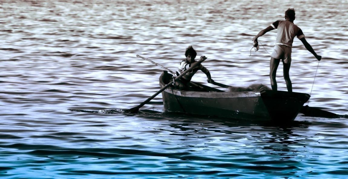 Showcase March Check This Out Hello World Taking Photos india India Incredible India Waves Waves, Ocean, Nature Boat Fisherman Fishermen Fishermen's Life Action Ocean
