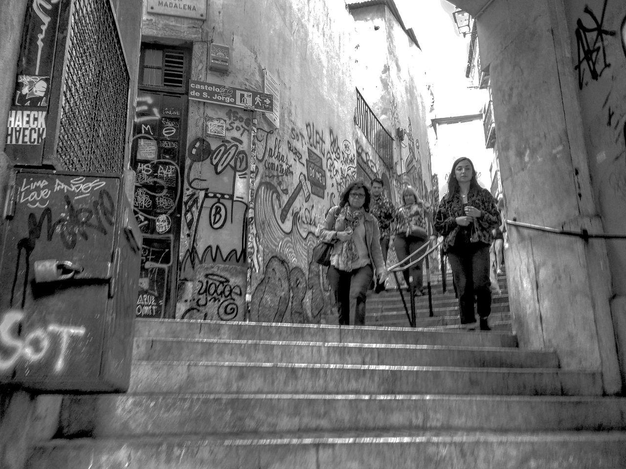 Lisboa a Descer Turists Urban Low Angle View