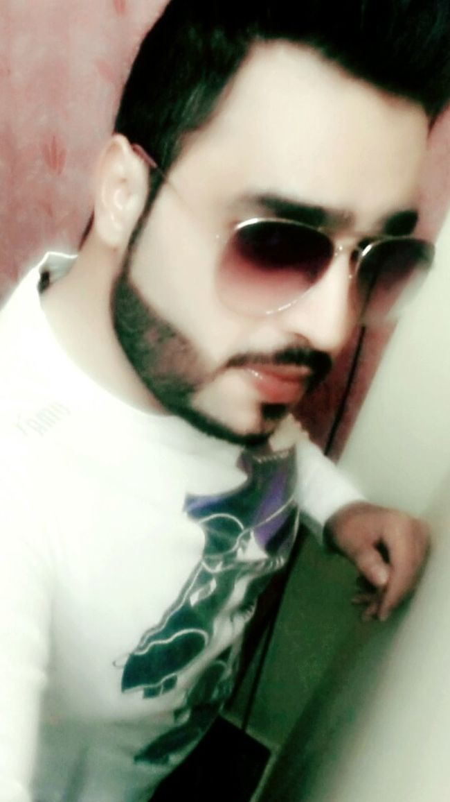 Hi Everyone, How's Ur Day Going..... First Eyeem Photo