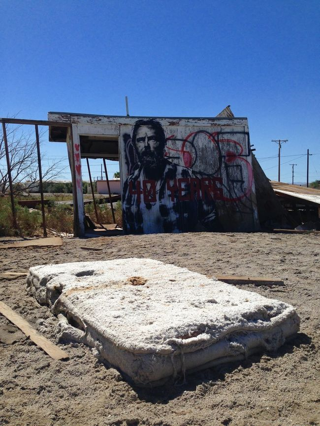 Apocalypse Apocalyptic Apocalyptic Visions Colapse Desert Desert Beauty Desert Life Deserted Scapes Deserts Around The World Dirt Forsaken LifeLess Matress Old Houses Remote Ruin Ruins Salton Sea Sand The Big Lebowski Zombie Apocalypse