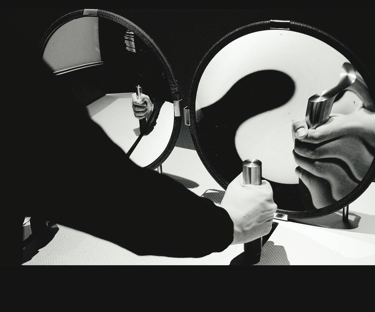 Gadgets EyeEm Best Shots - Black + White Blanco & Negro  Siluetas Blanco Y Negro Monochrome Black & White La Falsa Envoltura De Las Apariencias