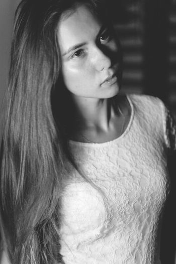 Model Today's Hot Look Self Portrait Monochrome